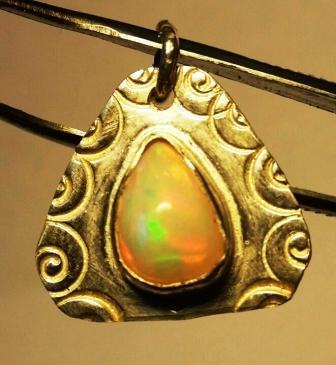 Opale poincon cor2 1